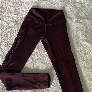Aerie workout leggings with side design!